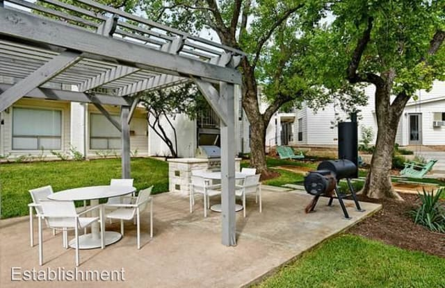 Establishment Apartment Austin