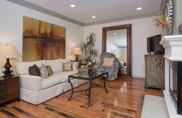 Estancia Townhomes Apartment Dallas