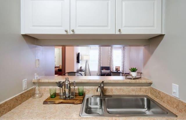 Evergreen Lenox Park Apartment Atlanta