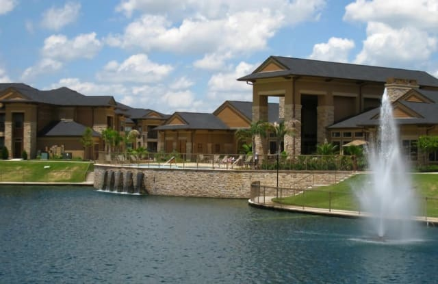 Falls at Copper Lake Apartment Houston
