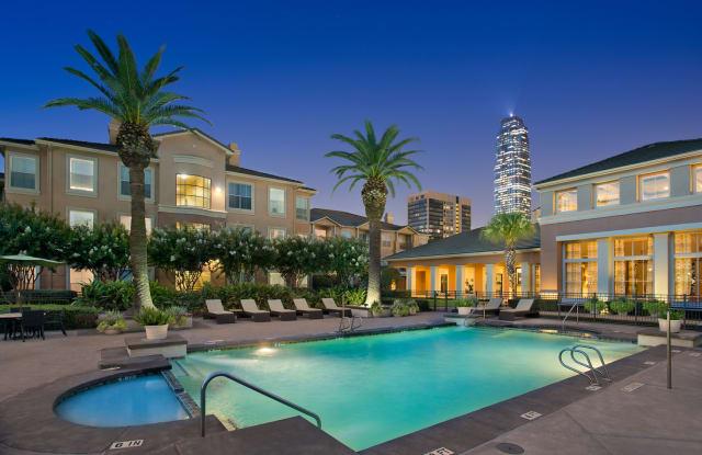 Gables Metropolitan Uptown Apartment Houston