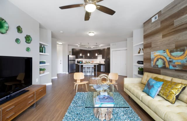 Gibson Flats Apartment Austin
