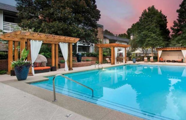 Glen Lake Apartment Atlanta