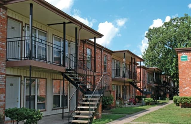 Green Oak Village Apartment Houston