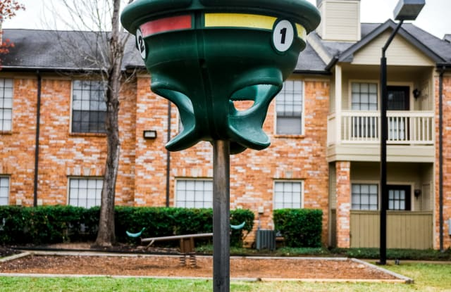 Green Tree Place Apartment Houston