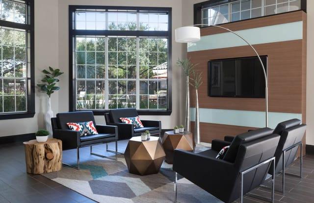 Griffis Canyon Creek Apartment Austin