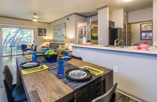 Griffis Lakeline Station Apartment Austin