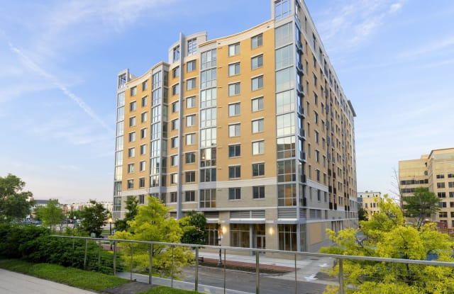Harlow Apartment Washington
