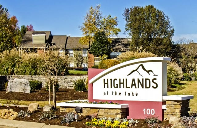 Highlands at the Lake Apartment Nashville