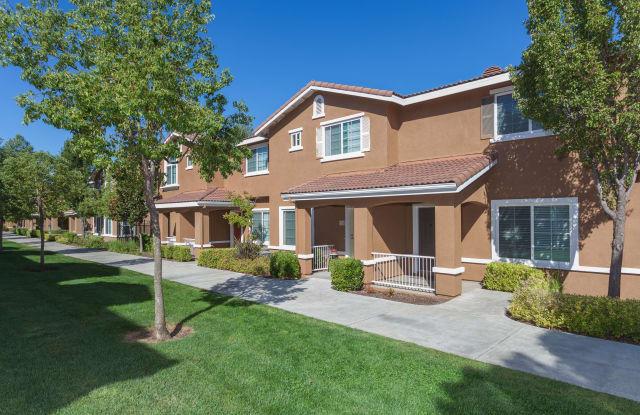 Homecoming At Creekside Apartment Sacramento