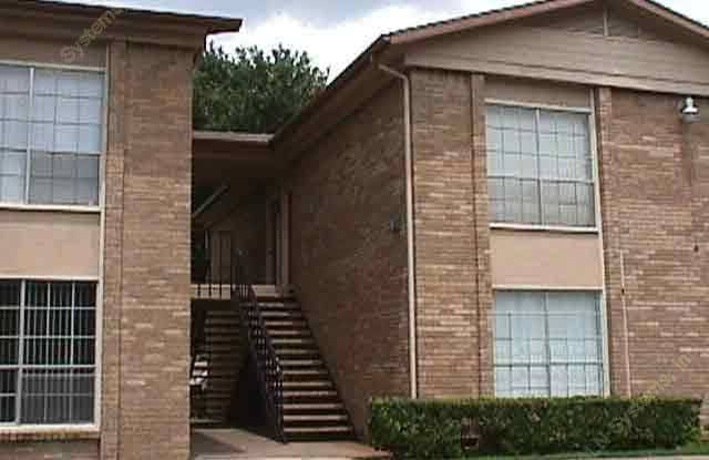 Hub in Oaklawn Apartment Dallas