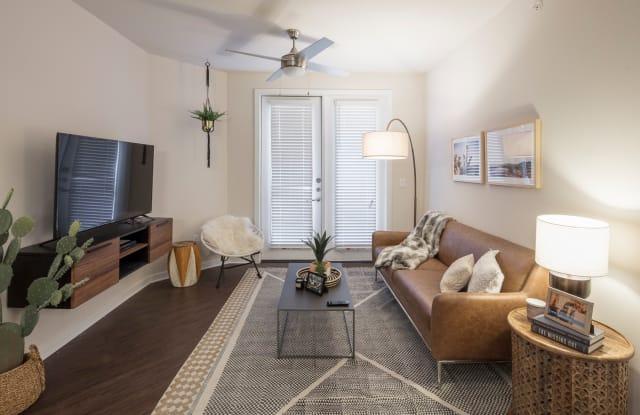 IMT Prestonwood Apartment Dallas