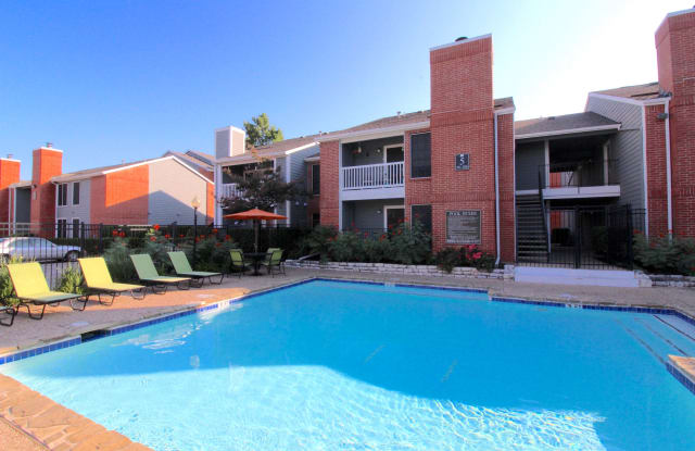 Ironhorse Flats Apartment Austin