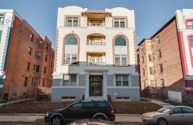 Isabella Apartment Washington