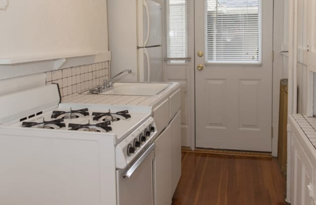 Kenilworth Court Apartment Denver