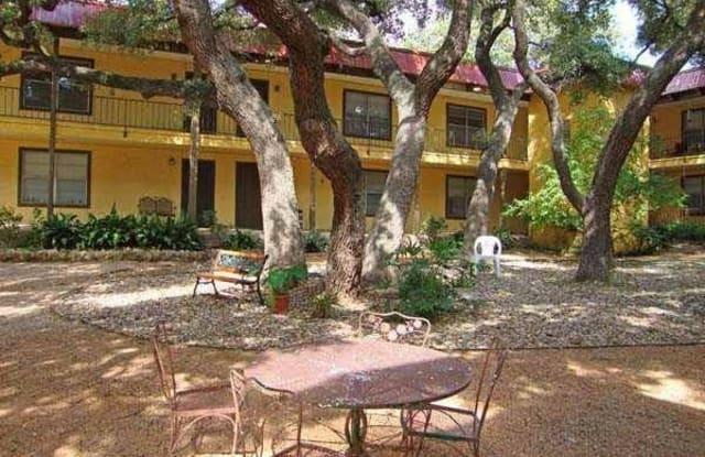 Kensington Court Apartment Austin
