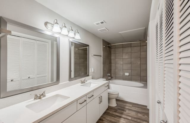 Knox at Westchase Apartment Houston