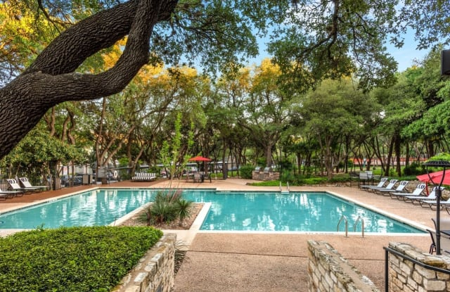 Landmark at Barton Creek Apartment Homes Apartment Austin