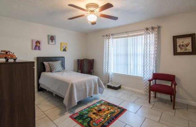 Las Plazas Apartments Apartment Houston
