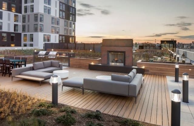 Lincoln Square Apartment Philadelphia