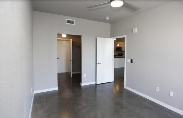 Link 35 Apartment Denver