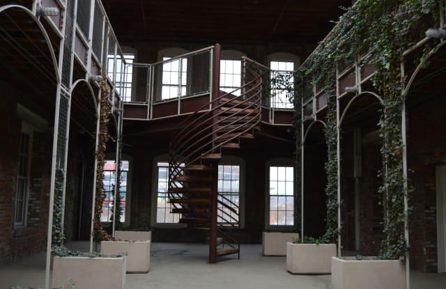Lofts at 160 Apartment Nashville