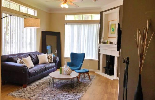Mallard Creek Apartment Houston