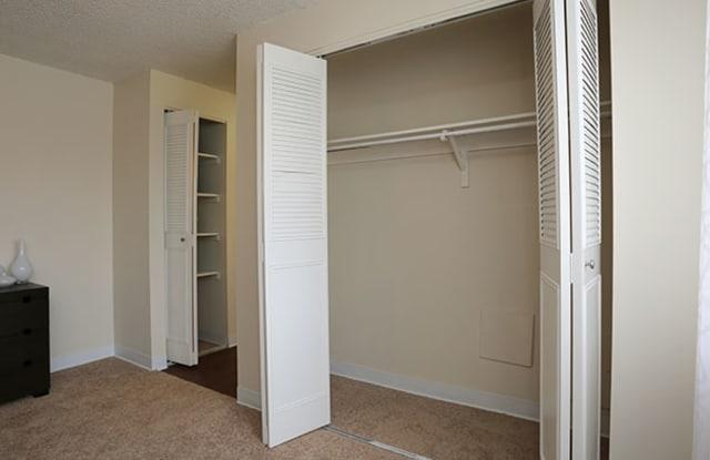 Meridian Garden Apartment Denver