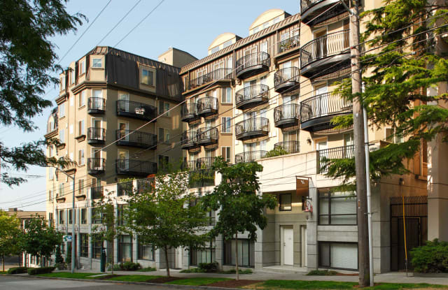 Metro on First Apartment Seattle