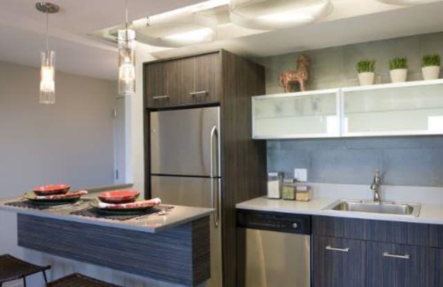 Metropolis Apartment Denver