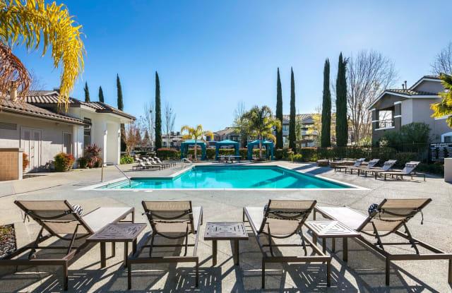 Miramonte and Trovas Apartments Apartment Sacramento