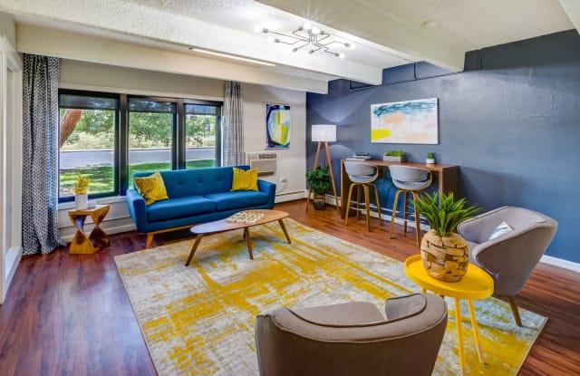 Monaco South Apartment Denver