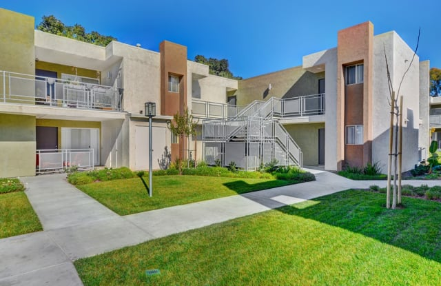 Navajo Bluffs Apartment San Diego