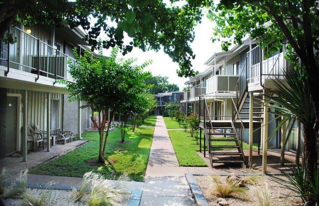 Oak Creek Apartment Austin