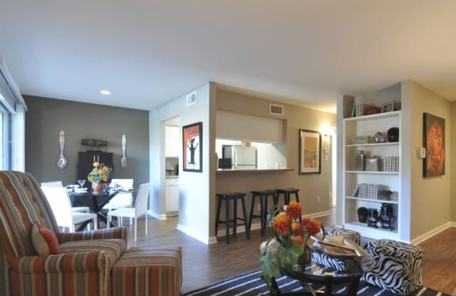Oaks of Westchase Apartment Houston