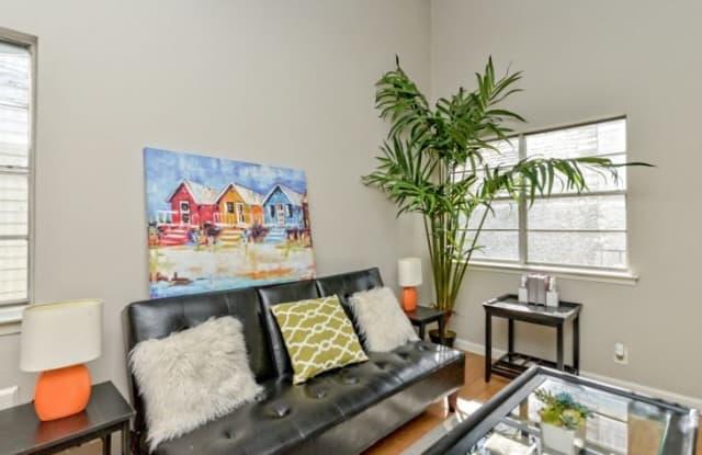 Palm Gardens Apartment Austin