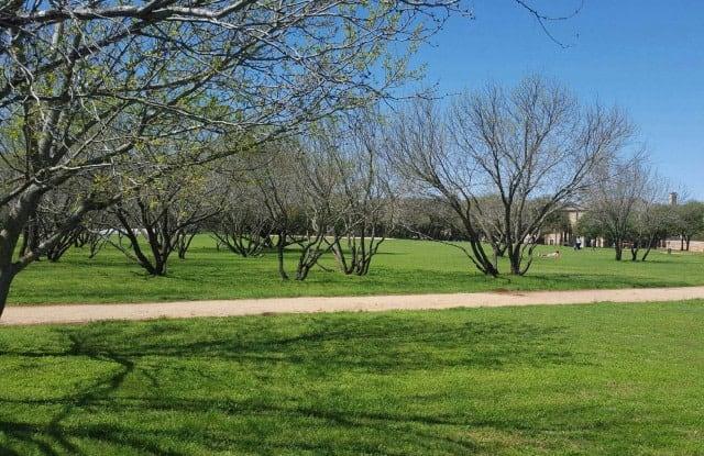 Park at Monterey Oaks Apartment Austin