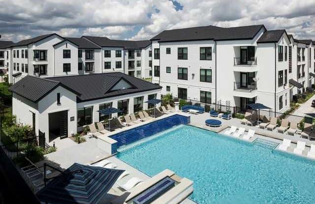 Parkway Flats Apartment Houston