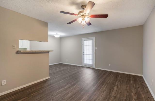 Pine Forest Apartment Houston