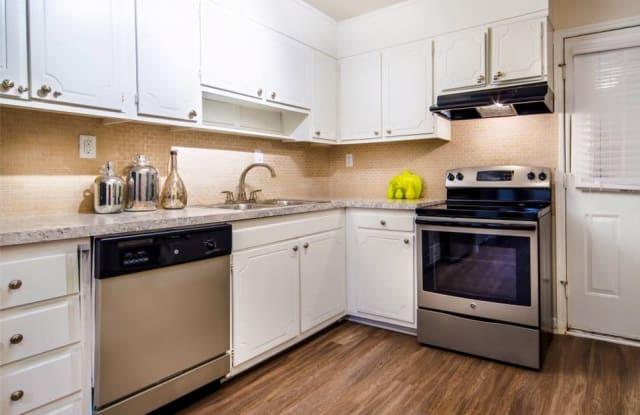 Pinehurst on Providence Apartment Charlotte