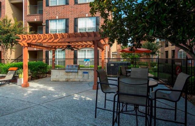 Plaza at Westchase Apartment Houston