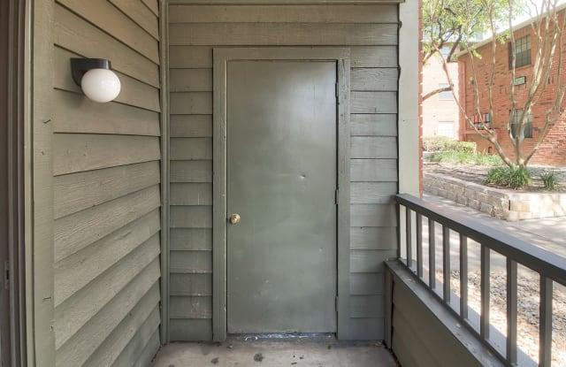 Promontory Point Apartment Austin