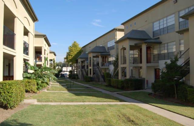 Renaissance Parc Apartment Dallas