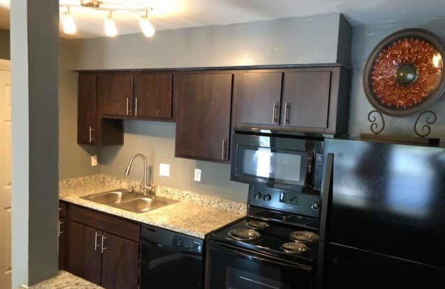 Residence At The Heights Apartment Houston