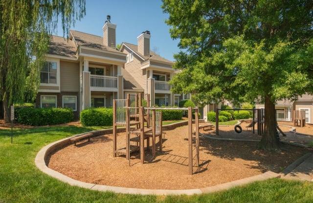 Retreat at McAlpine Creek Apartment Charlotte
