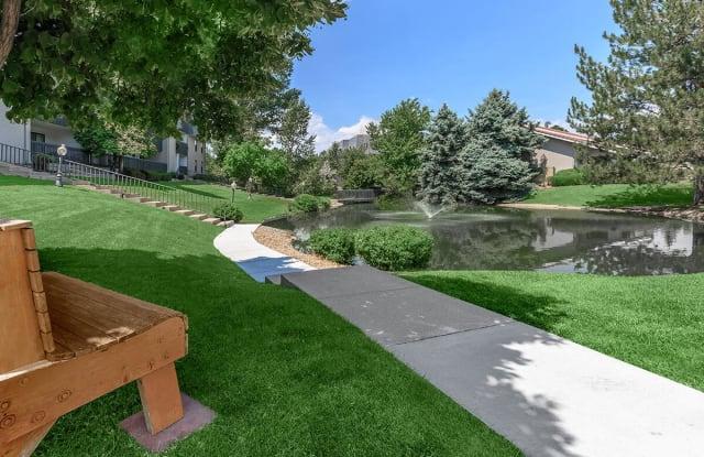 Retreat at Water's Edge Apartment Denver