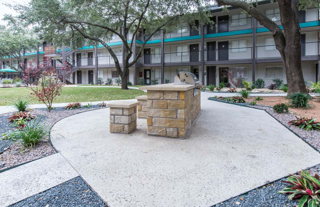 Riverfalls at Bellmar Apartment Dallas