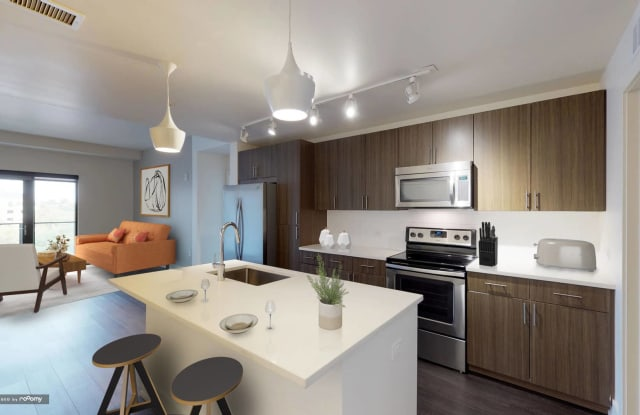 Steele Creek Apartment Denver
