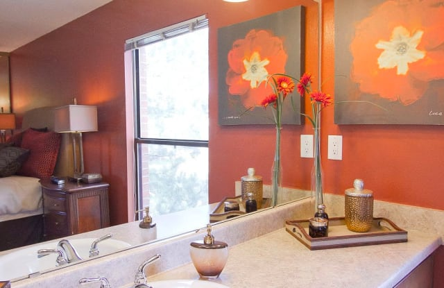 Summit Ridge Apartment Denver