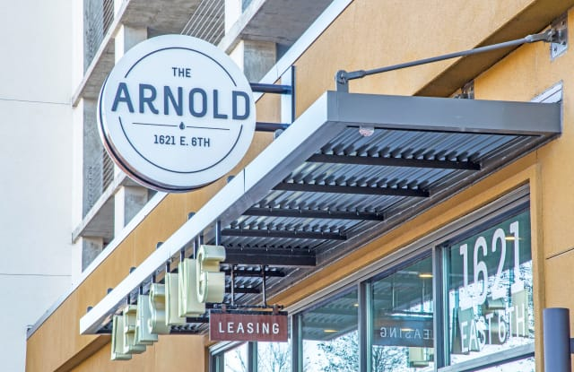 The Arnold Apartment Austin